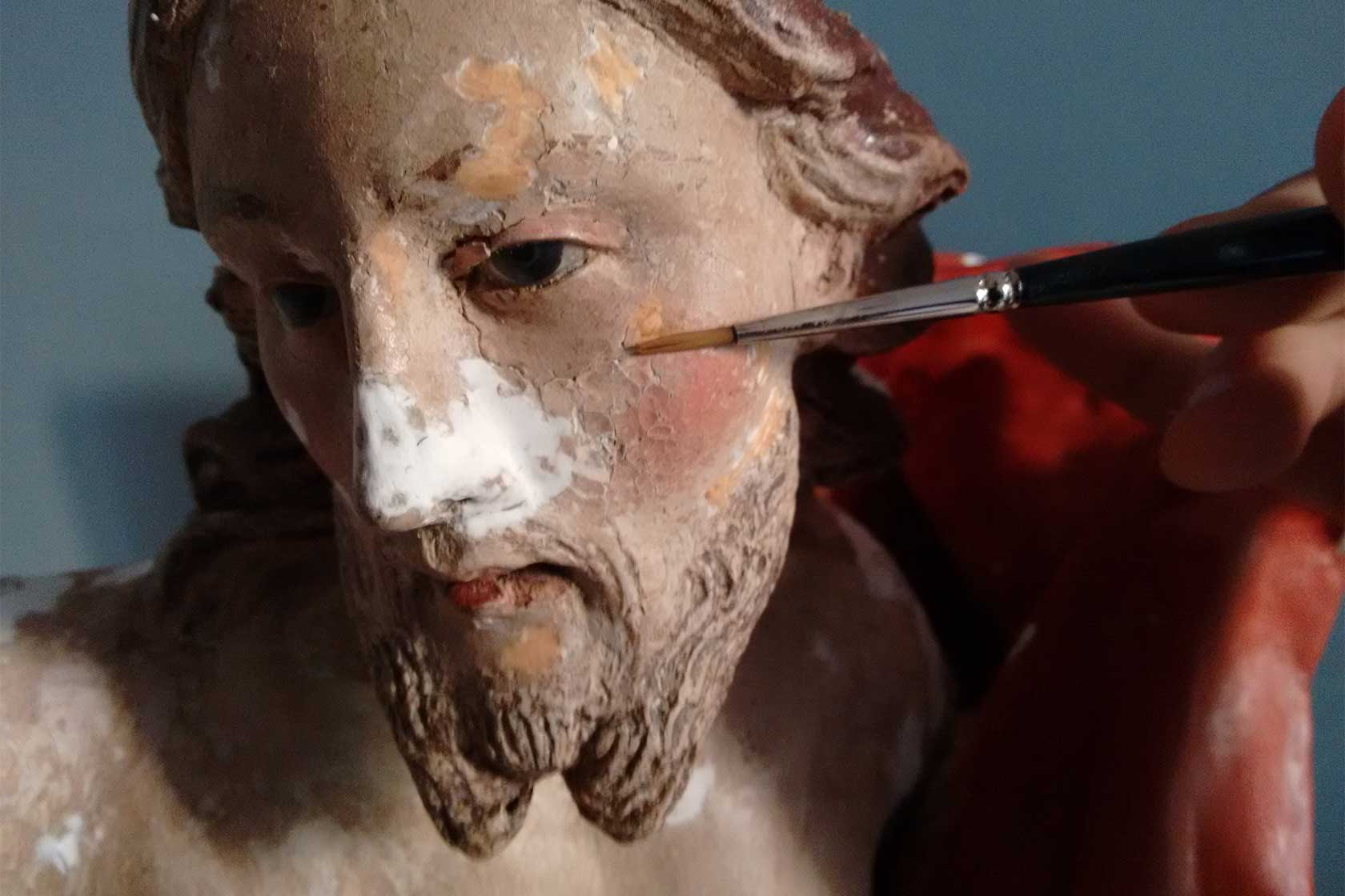 cristo risorto restauro cartapesta ritocco